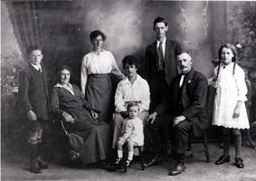 Catherine and James Lissington with children including my grandfather Harold Wareho Lissington